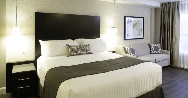 chambre ex cutive standard tr s grand lit h tel shediac. Black Bedroom Furniture Sets. Home Design Ideas